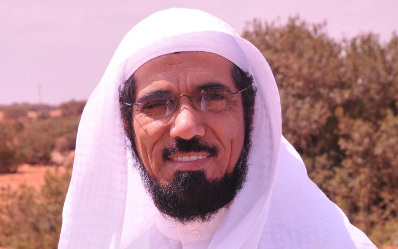 """نجل سلمان العودة يروي تفاصيل اعتقاله في بودكاست """"السعودية العظمى"""""""