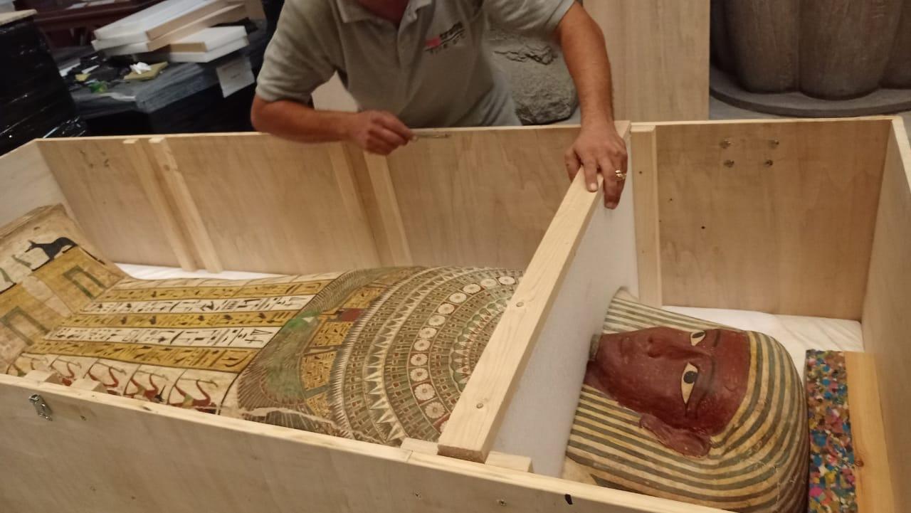 تابوت فرعوني يصل إلى إكسبو 2020 دبي