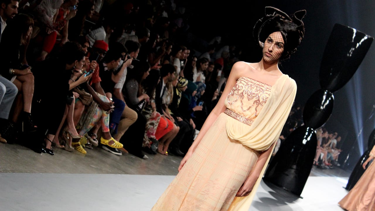 """معرض """"فاشن فوروورد"""" في دبي بدورته لربيع وصيف العام 2014"""