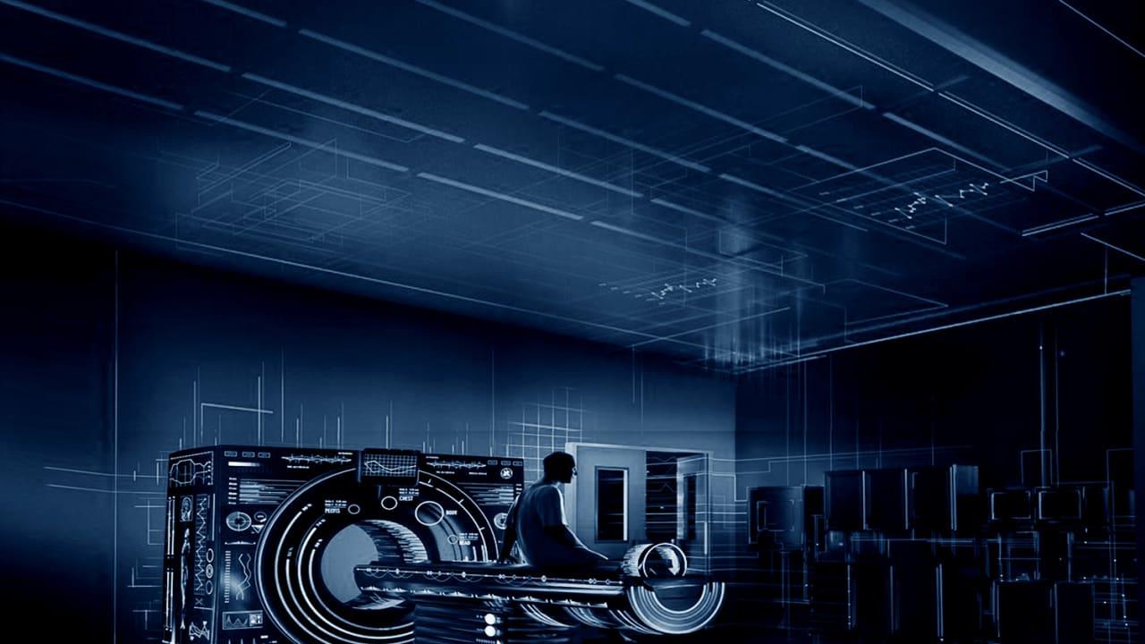 في المجال الطبي، تركز الإنترنت الصناعية على تقديم البيانات المتعلقة بالطوارئ، وبالتالي زيادة فاعلية فهم هذه البيانات مع الوقت، وتقديم العلاج اللازم في حالات الطوارئ بسرعة وفاعلية.