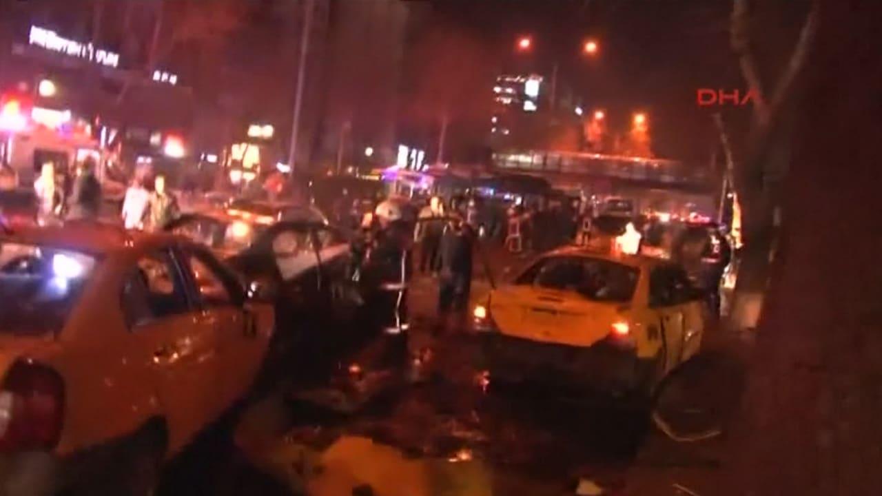 بالفيديو: من مكان التفجير الإرهابي… مهاجمو أنقرة مازالوا مجهولي الهوية
