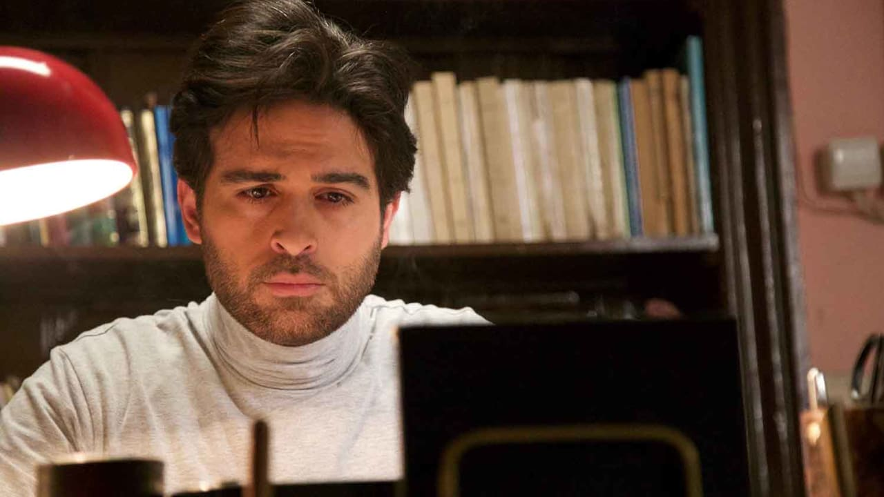 """الممثل محمود نصر بدور الكاتب التلفزيوني عروة، وسنشاهد عبر يومياته وذكرياته أحداث مسلسل """"الندم""""."""