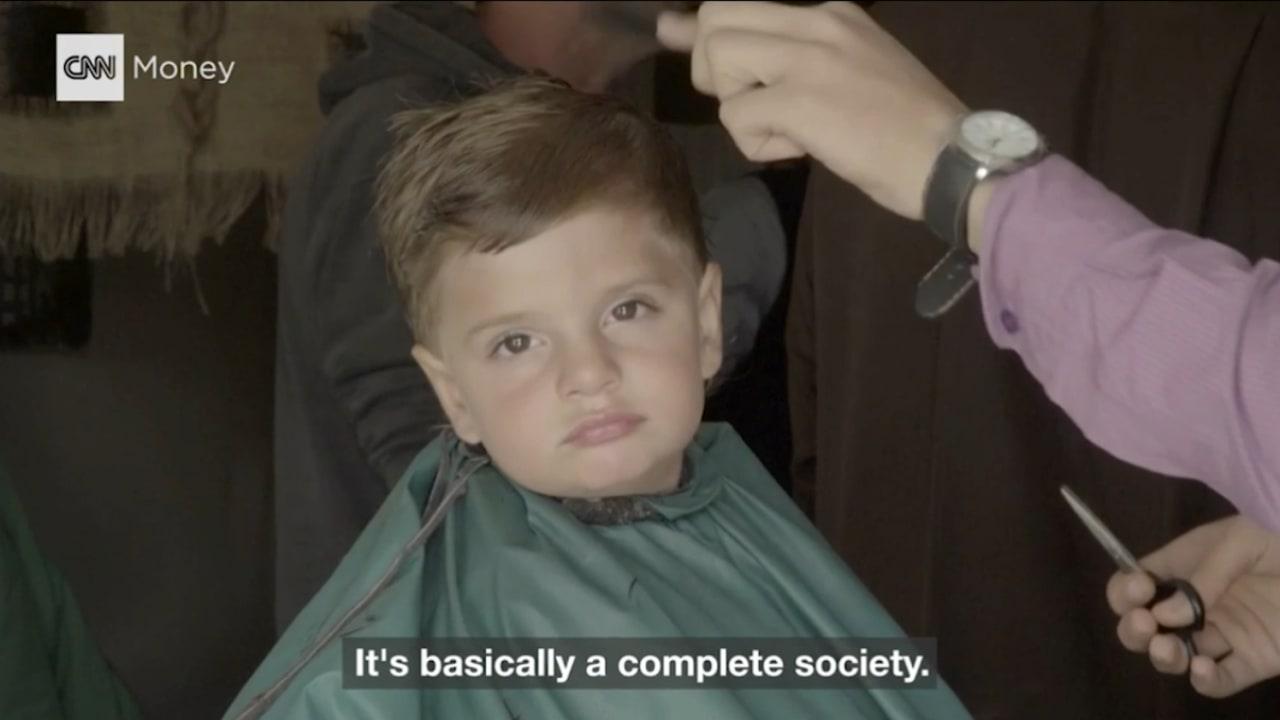 بالفيديو: تعرف إلى المنطقة التجارية في مخيم الزعتري للاجئين السوريين
