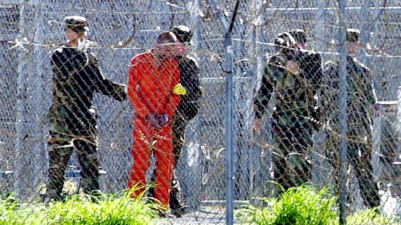 رأي: دوافع استقبال الإمارات لأكبر دفعة من سجناء غوانتانامو
