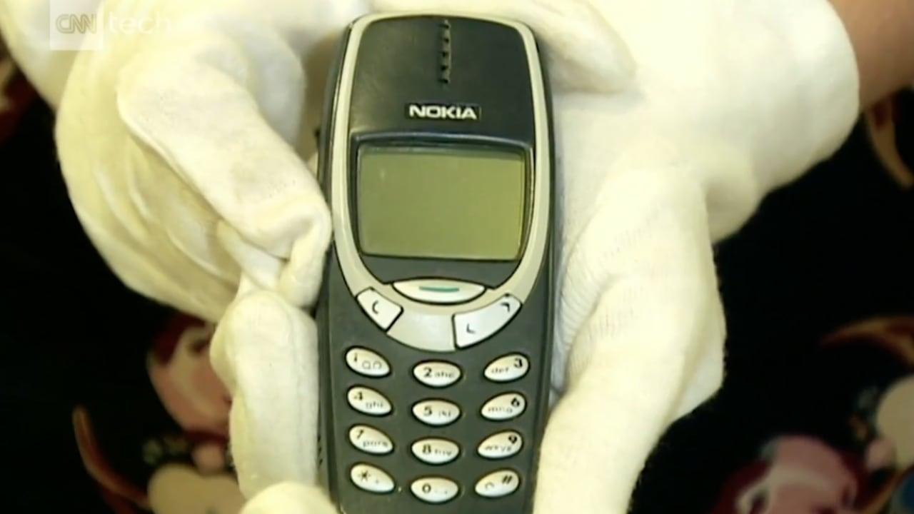 بعد 17 عاما نوكيا تعيد إطلاق هاتفها 3310