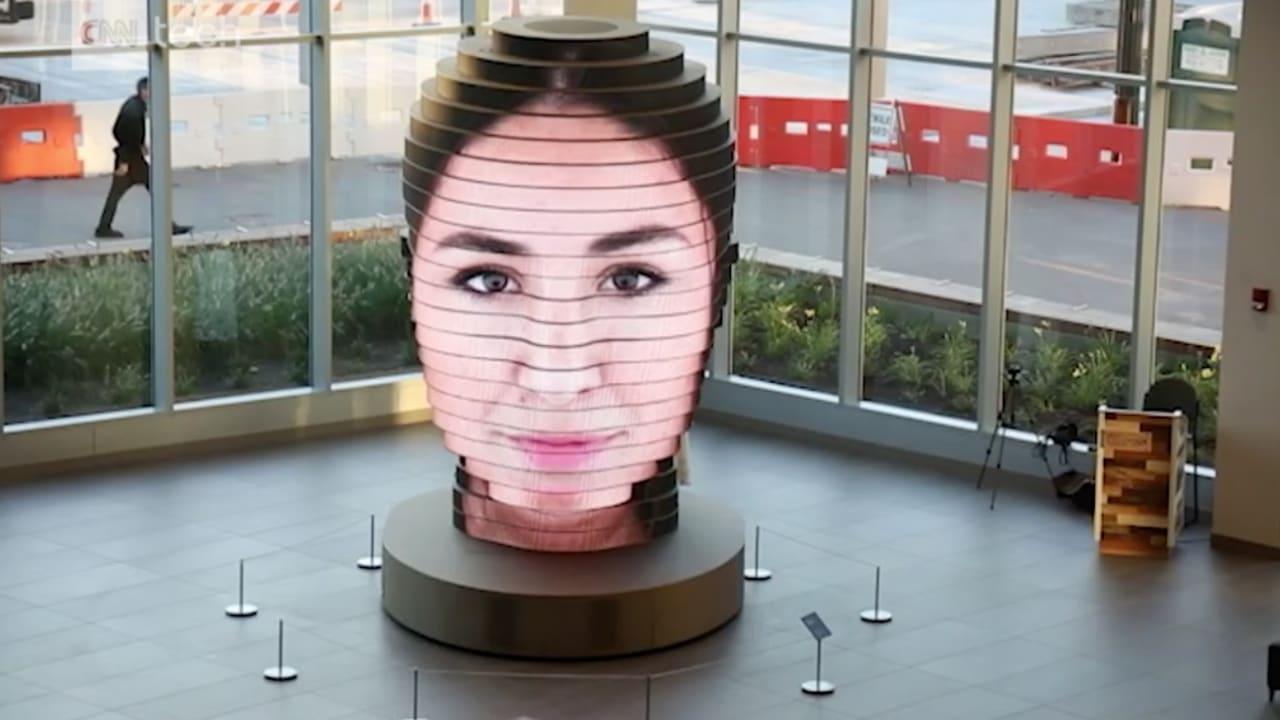 شاهد.. هذه الشاشة تحول صورتك إلى تمثال في متحف