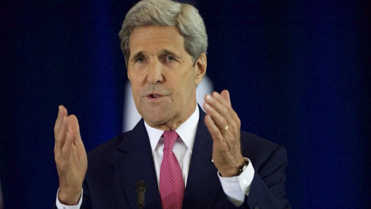 كيري لـCNN: أصدقاؤنا أكثر أماناً إذا بقينا في الاتفاق النووي مع إيران
