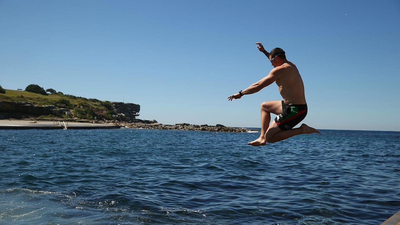 اكتشف أجمل 10 مدن لعشاق السباحة في العالم