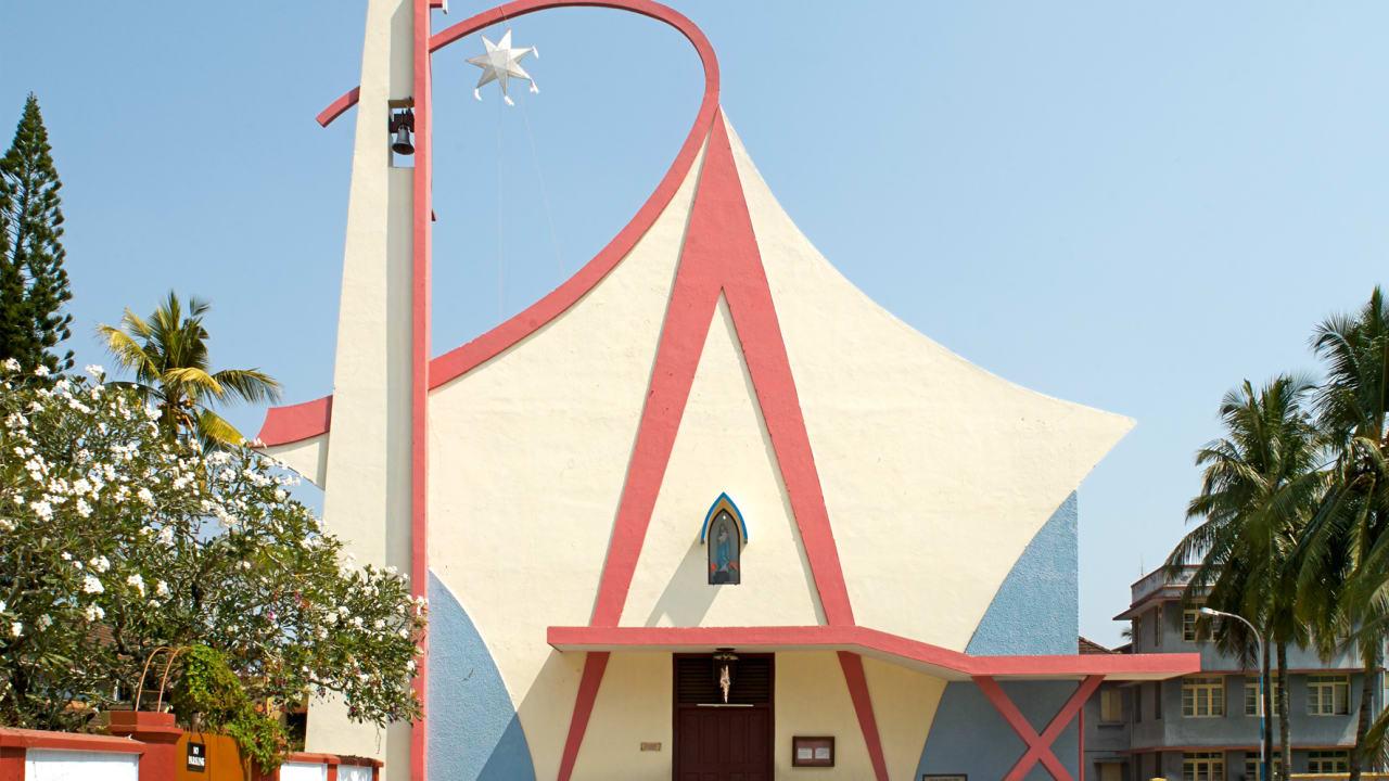 """كنيسة """"سيدة المعجزات"""" في كيرلا."""