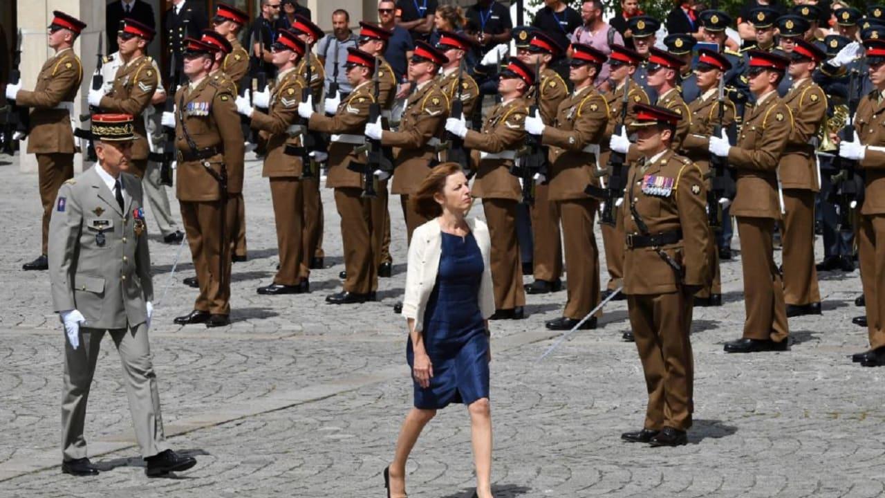 """فرنسا تتهم روسيا بـ""""التجسس"""".. وزيرة الدفاع تعلن التفاصيل"""