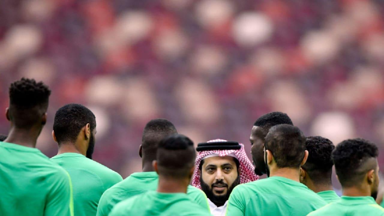 تركي آل الشيخ يمنع عبدالعزيز العمر من أي نشاط أو عمل رياضي