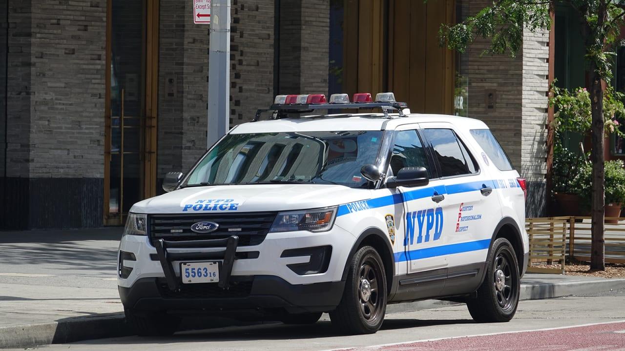 """تقنية تطهير جديدة من فورد """"تحرق جراثيم"""" فيروس كورونا في سيارات شرطة نيويورك"""