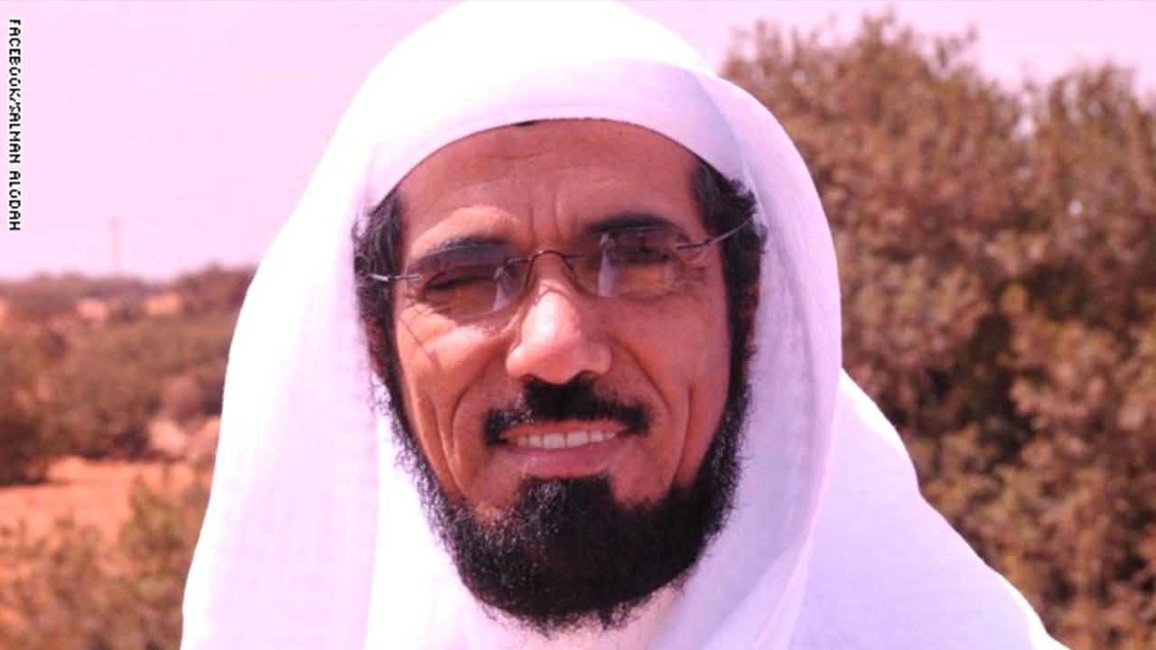 نجل سلمان العودة يعيد نشر حديث لوالده كشف فيه عن تفاصيل لقاء جمعه بالملك