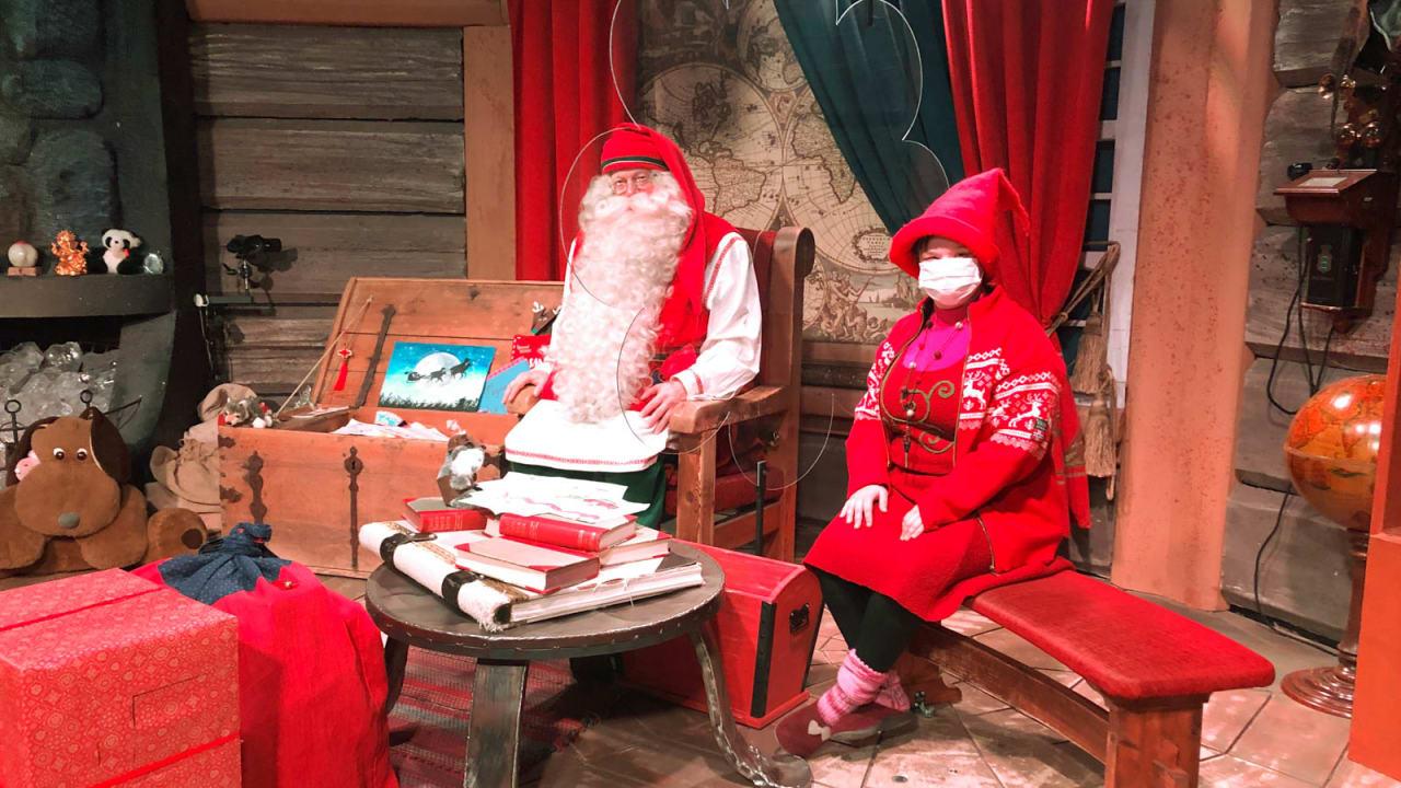 """""""بابا نويل"""" خلف حاجز زجاجي.. هكذا تخطط منطقة لابلاند في فنلندا لإنقاذ فرحة عيد الميلاد وسط كورونا"""
