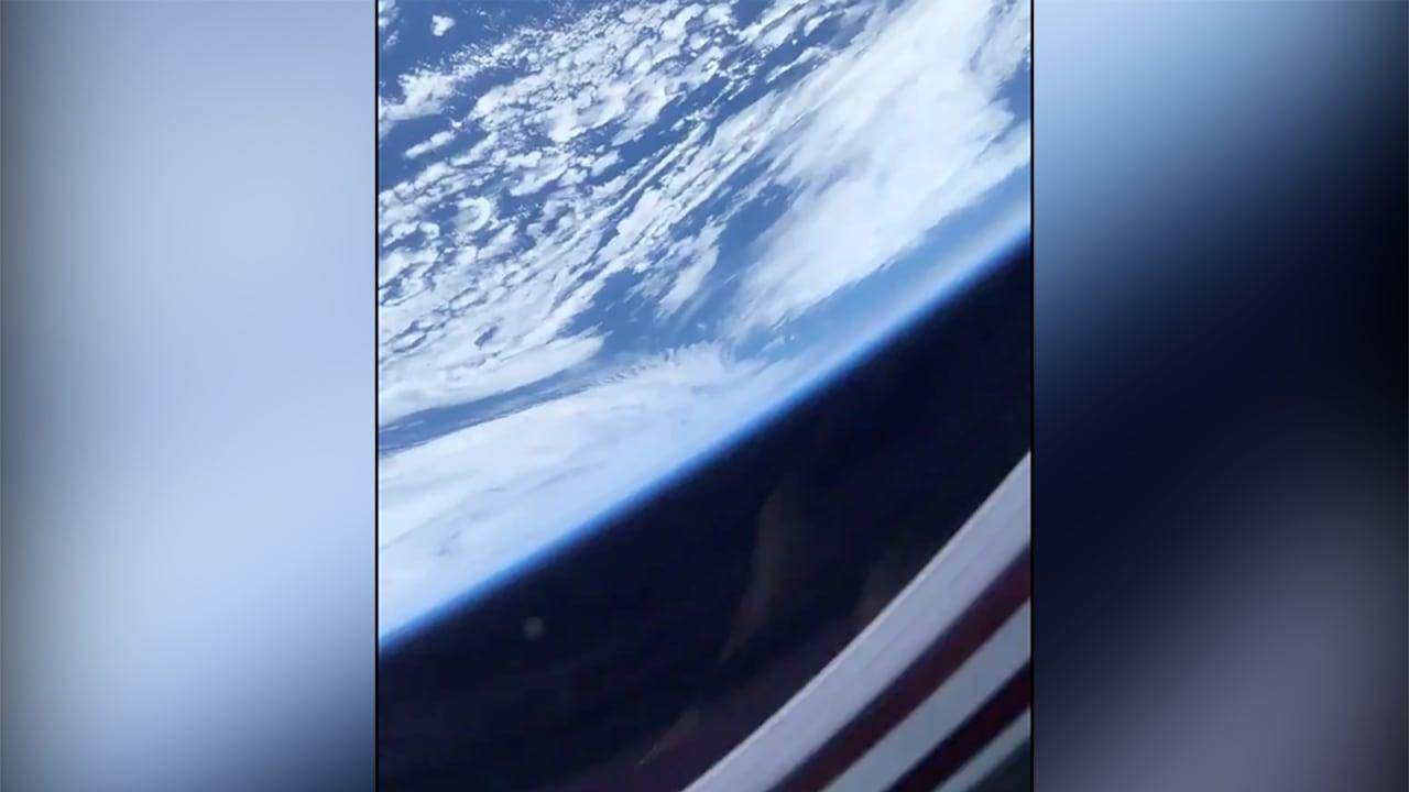 على متن كبسولة سبيس إكس.. كيف تبدو الأرض من الفضاء؟