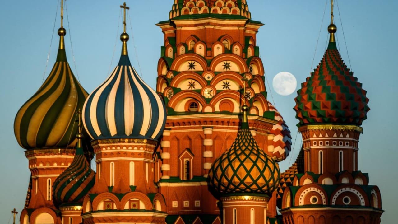 كاتدرائية القديس باسيل.. تعرف إلى الأصول الغامضة لمعلم موسكو الشهير