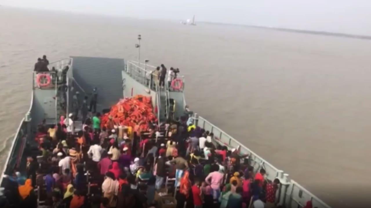 شاهد.. نقل لاجئون روهينغا الى جزيرة ظهرت قبل 20 عام وقد تختفي في أي لحظة