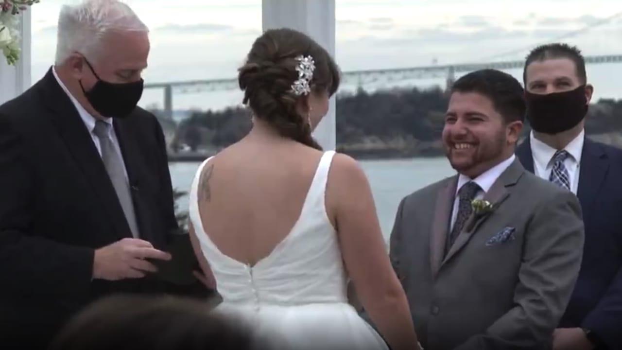حفل زفاف وهمي بدأ بمسحات الأنف وانتهى بالموسيقى.. ما قصته؟