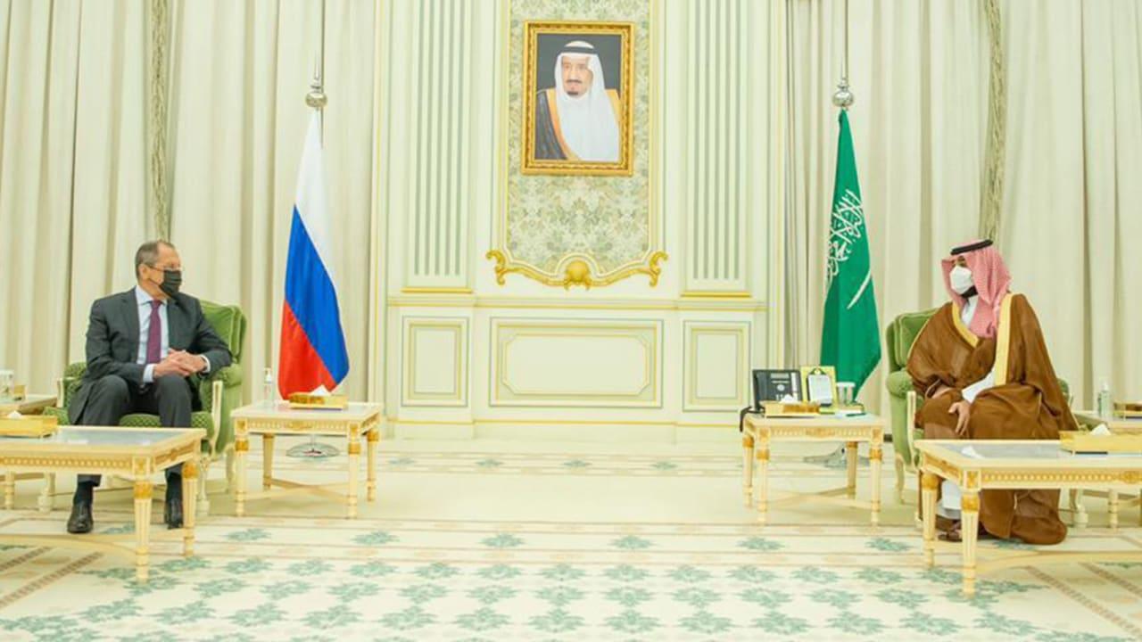 محمد بن سلمان يبحث مع لافروف تعزيز التعاون في مختلف المجالات