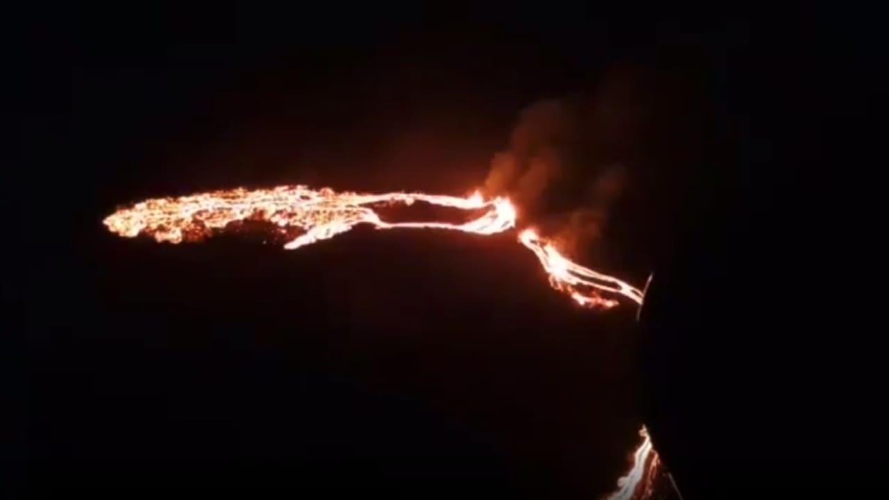 شاهد.. اللحظات الأولى لثوارن بركان قرب عاصمة أيسلندا