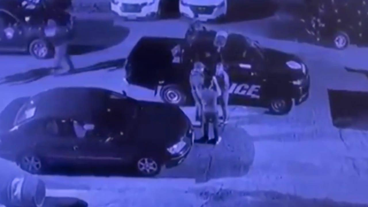 فيديو يظهر لحظة اعتقال المحلل السياسي إبراهيم الصميدعي من منزله في بغداد