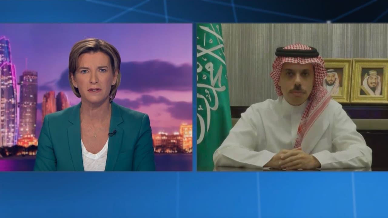 كيف رد وزير الخارجية السعودي على سؤال مذيعة CNN حول مدى دعم إيران للحوثيين؟