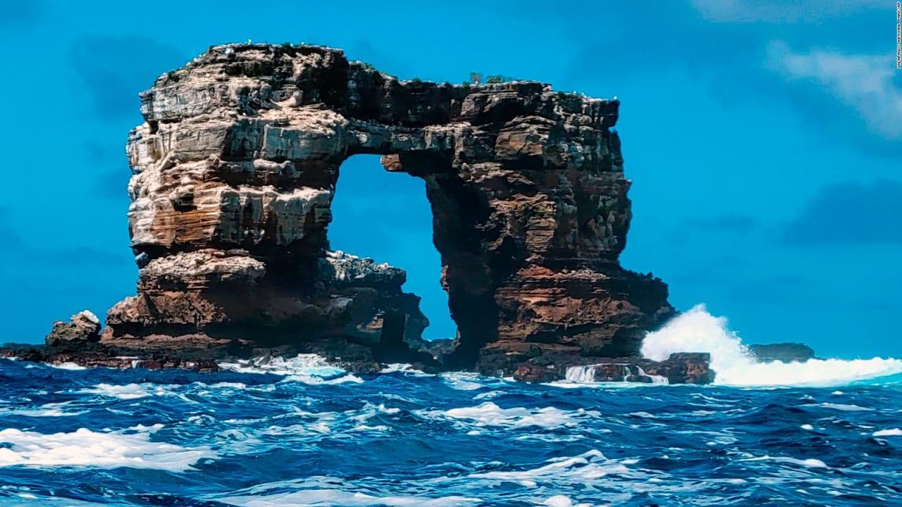 """انهيار """"قوس داروين"""" الشهير في جزر غالاباغوس"""