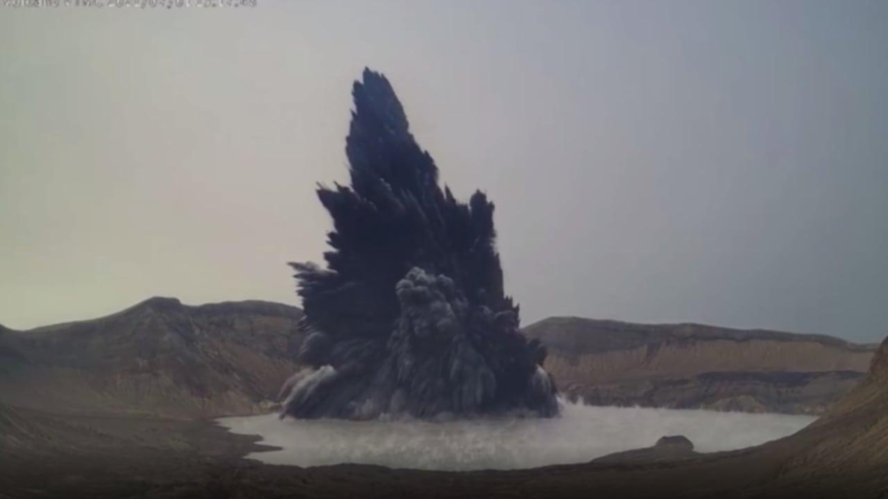 شاهد لحظة ثوران بركان في الفلبين