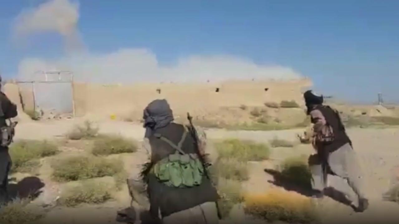 طالبان تصل حدود إيران وباكستان.. هل اقتربت من حكم أفغانستان؟