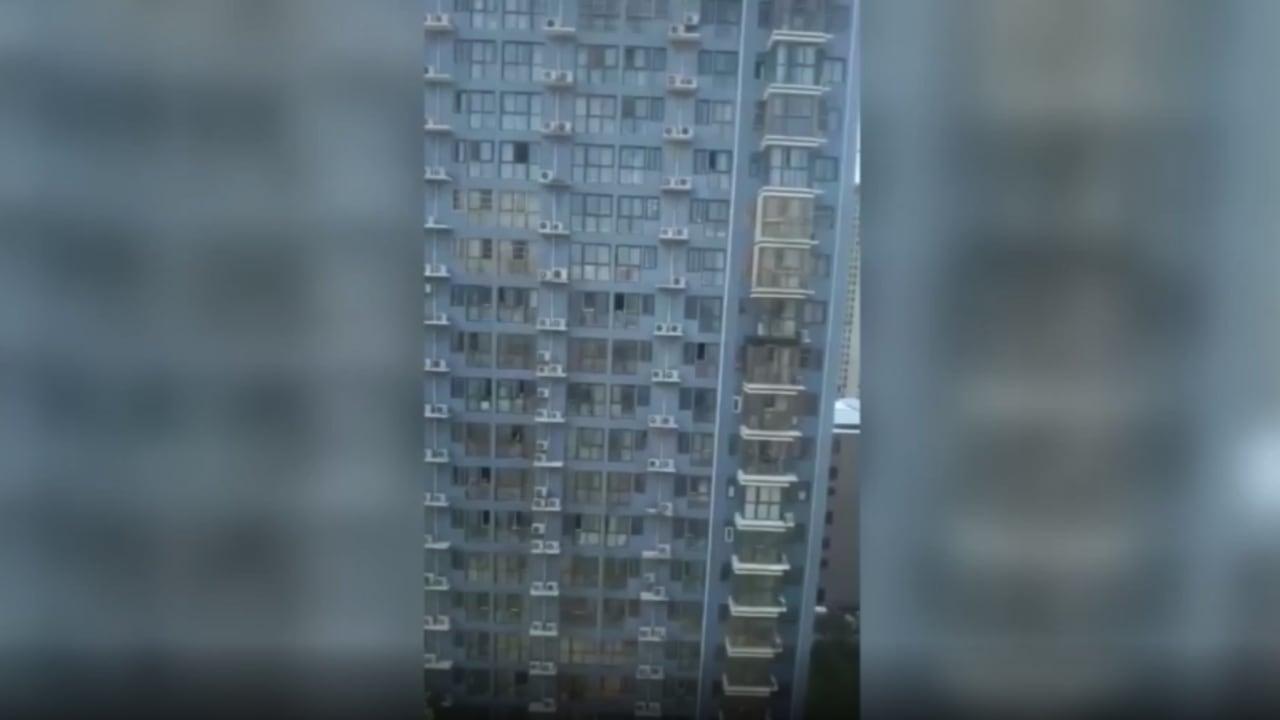 كاميرا توثق صراخ سكان مبنى أغلقته الصين بسبب إصابة أحدهم بكورونا