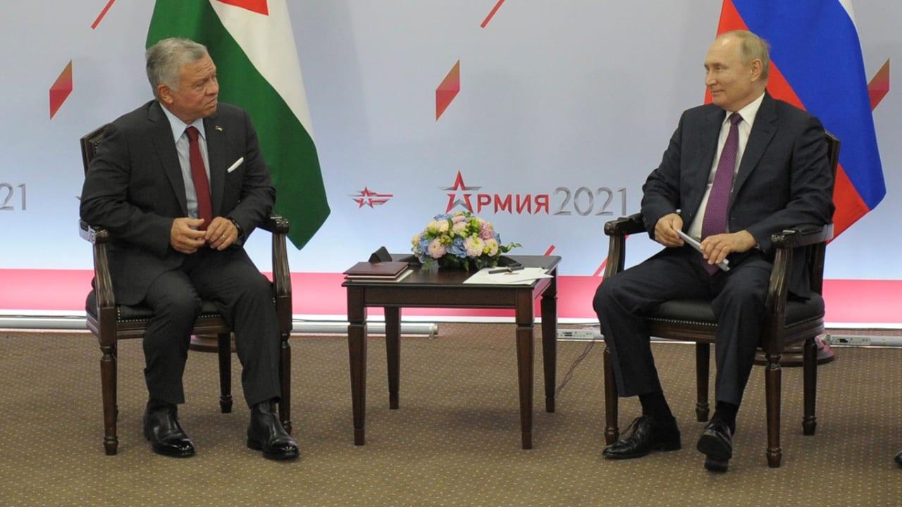 الملك عبدالله لبوتين: روسيا تقوم بالدور الأكثر دعمًا للاستقرار في سوريا
