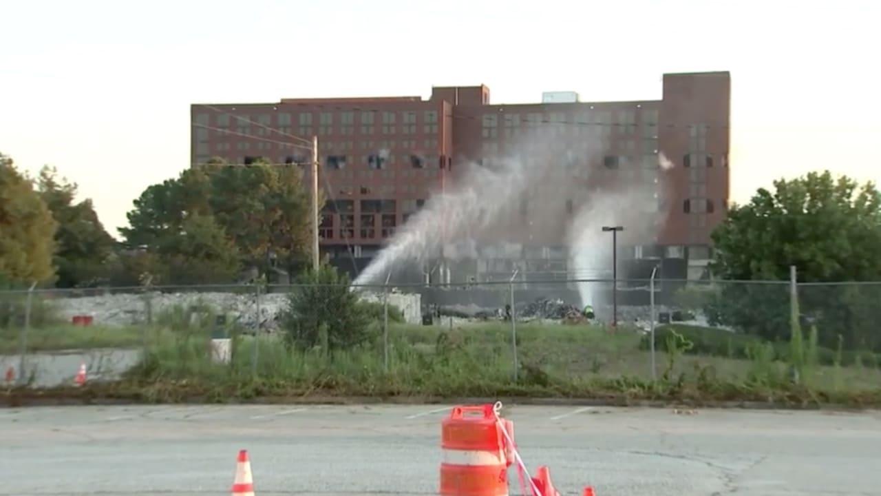 فيديو يُظهر دقة تفجير مبنى فندق شهير في هارتسفيلد جاكسون في أتلانتا
