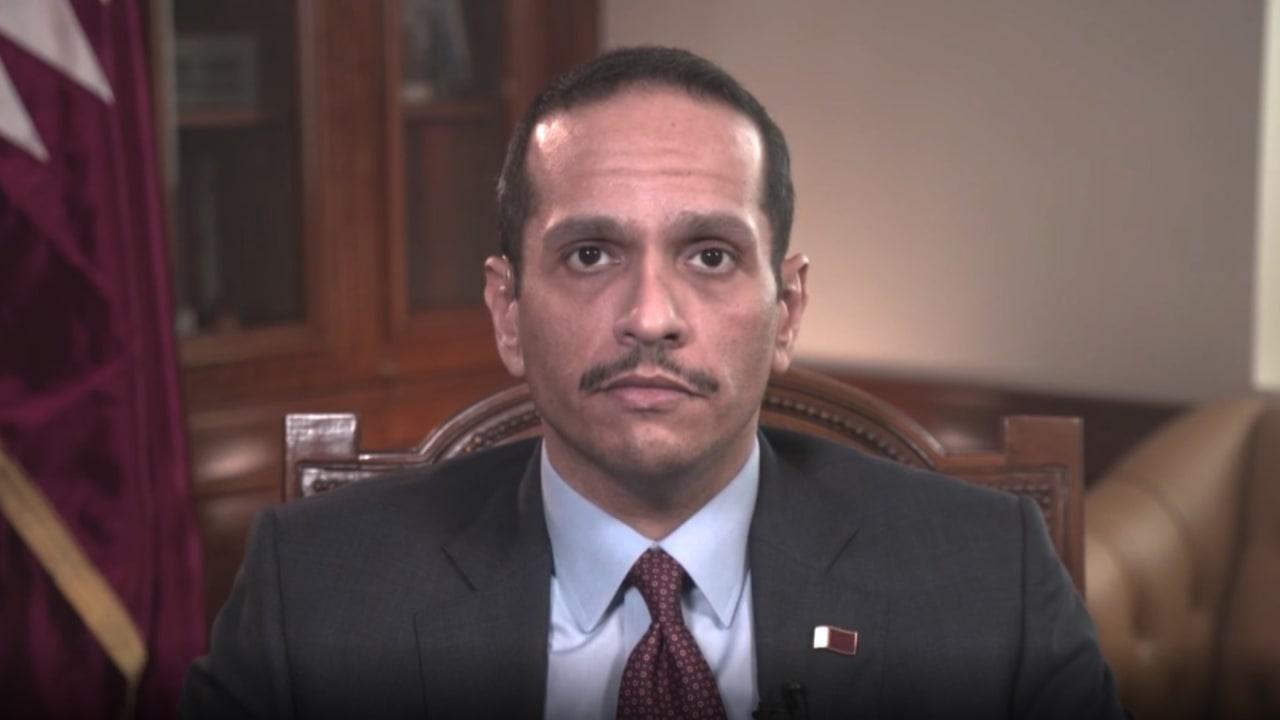 شاهد كيف رد وزير خارجية قطر على سؤال مذيعة CNN حول محاولة عزل بلاده وإيران