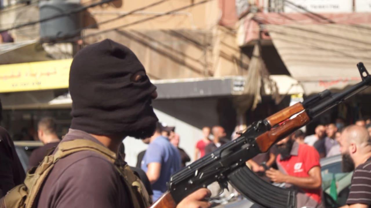 مراسل CNN على ضفتي الخط الفاصل القديم لحرب لبنان الأهلية.. ما الذي تحمله موجة العنف الأخيرة؟