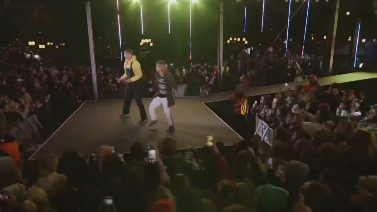 """شاهد.. ناشطة المناخ غريتا تونبرغ ترقص على أنغام """"لن أتخلى عنك أبدا"""""""