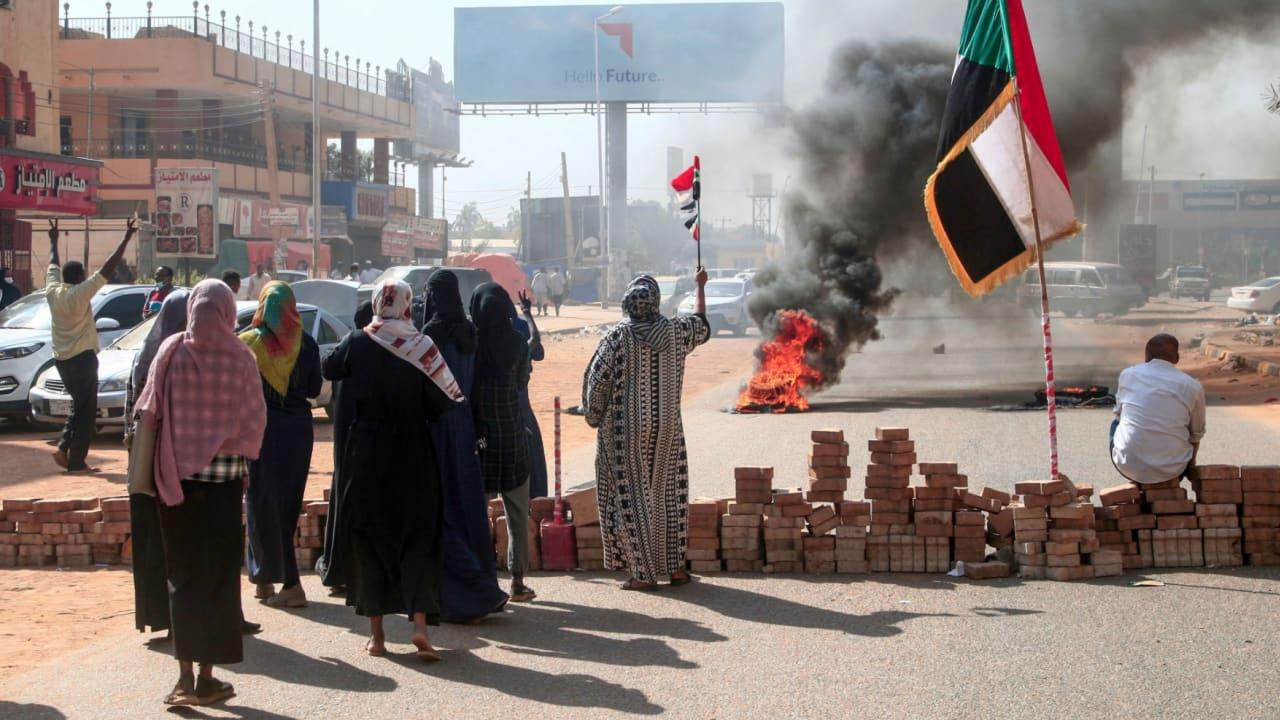 السودان على مفترق طرق.. والتجربة الديمقراطية باتت على المحك