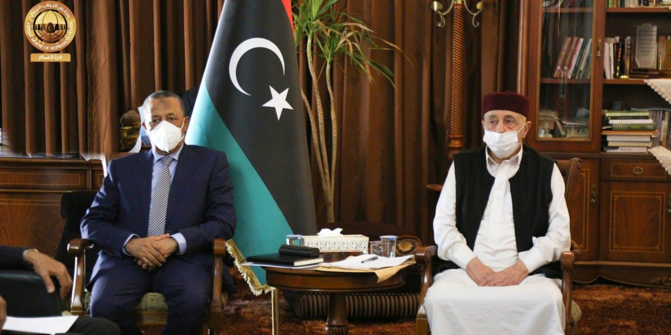 استقالة الحكومة المؤقتة في غضون احتجاجات في عدة مدن بشرق ليبيا