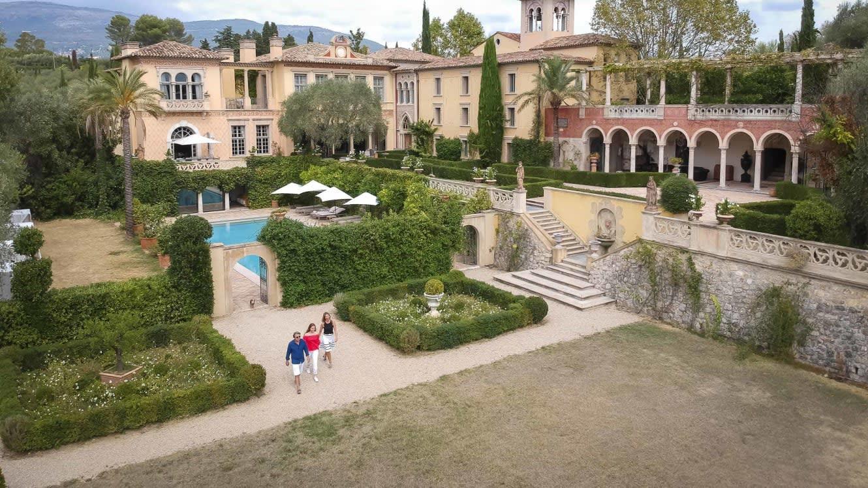 لماذا قضت إحدى المحاكم الفرنسية بهدم قصر قيمته 64 مليون دولار؟