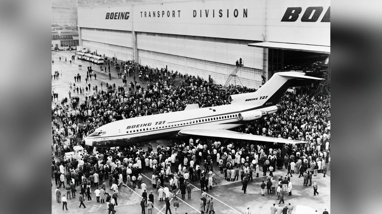 شاهد.. هذه كانت آخر رحلة لطائرة بوينغ 727