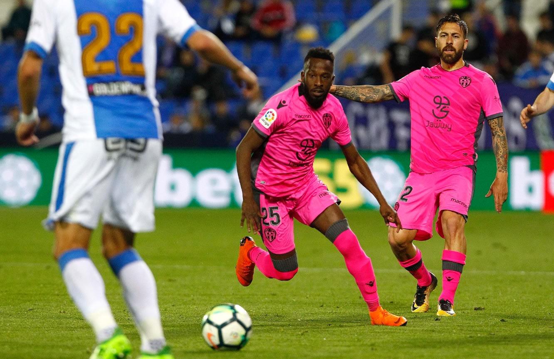 فهد المولد يصبح أول لاعب سعودي يشارك بالدوري الإسباني