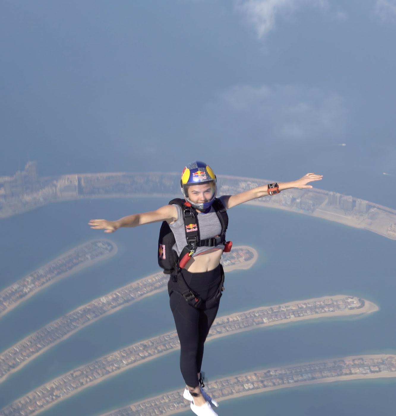 القفز المظلي الحر في دبي
