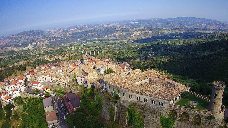 هذه القرى الإيطالية الخلابة ستدفع لك 33،000 دولار مقابل الانتقال إليها