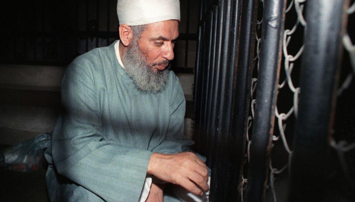 بيتر بيرغن يكتب: وفاة عمر عبدالرحمن ستدفع الظواهري للدعوة ...
