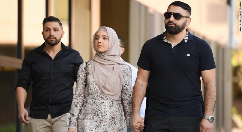 سجن رجل أسترالي لكم وداس على رأس امرأة مسلمة حامل