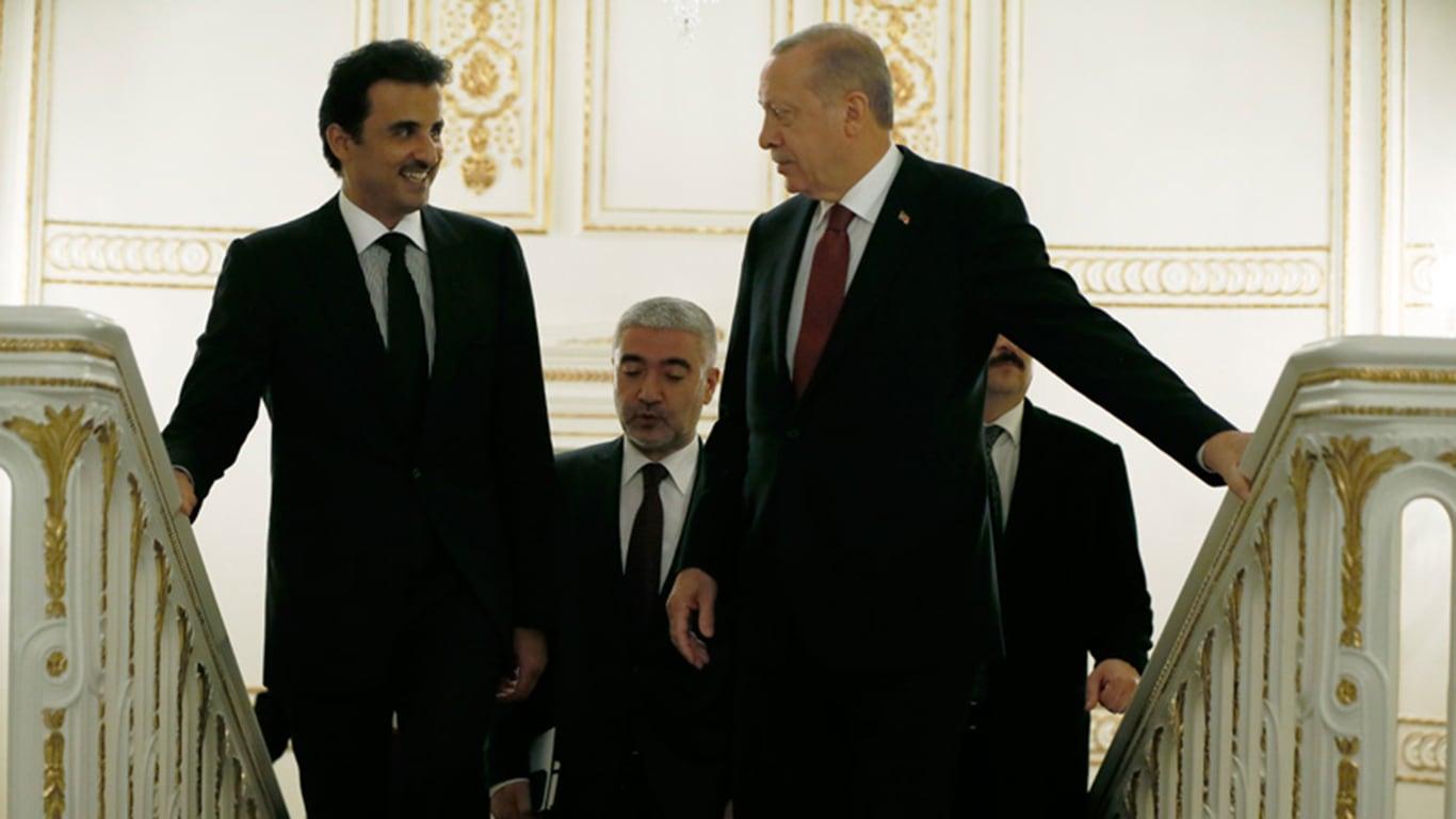 """صحيفة مقربة من أردوغان تثير ضجة بتحذير من """"خطر انهيار"""" تحالف تركيا وقطر"""