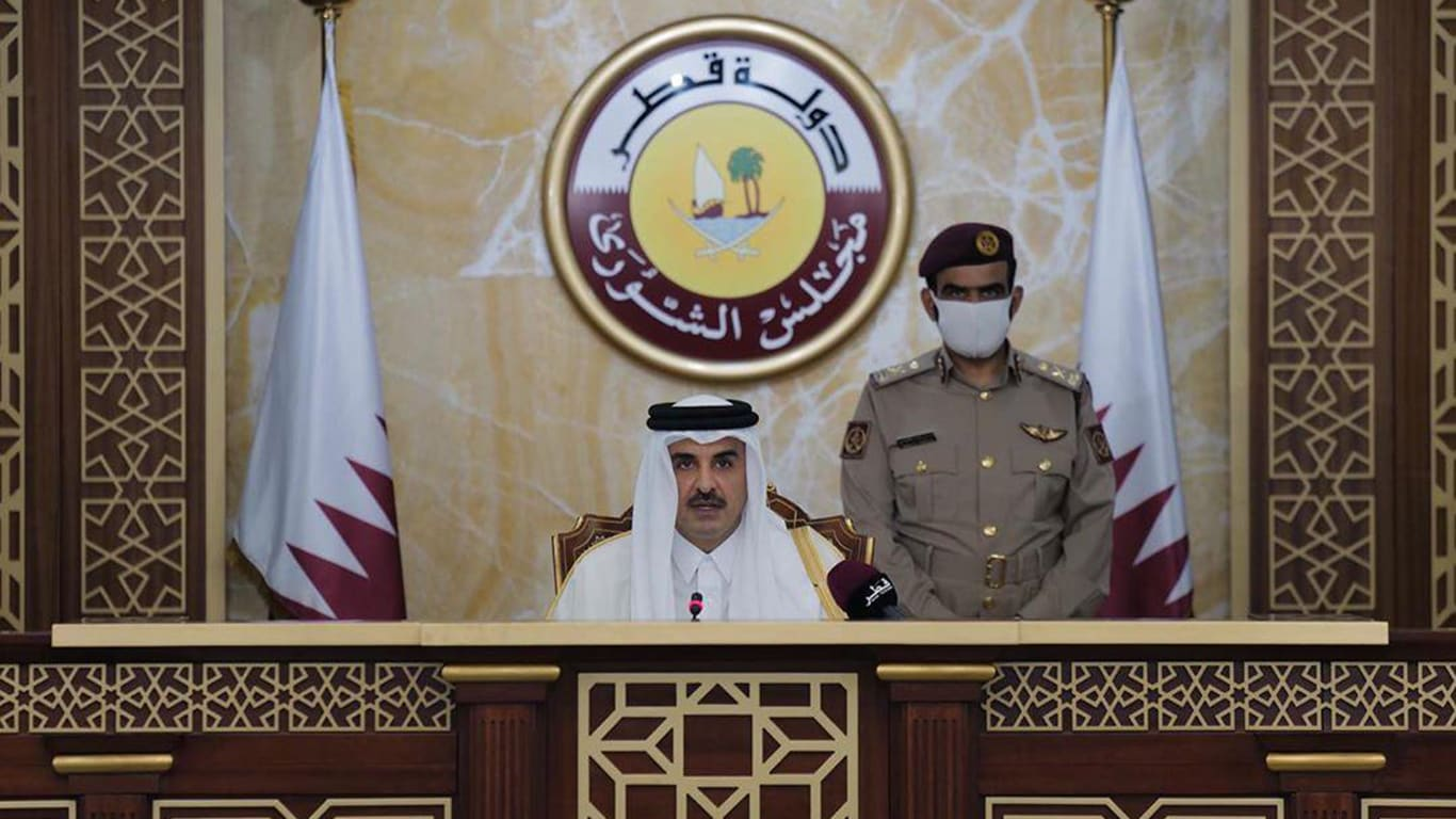 أمير قطر يعلن عن أول انتخابات لمجلس لشورى