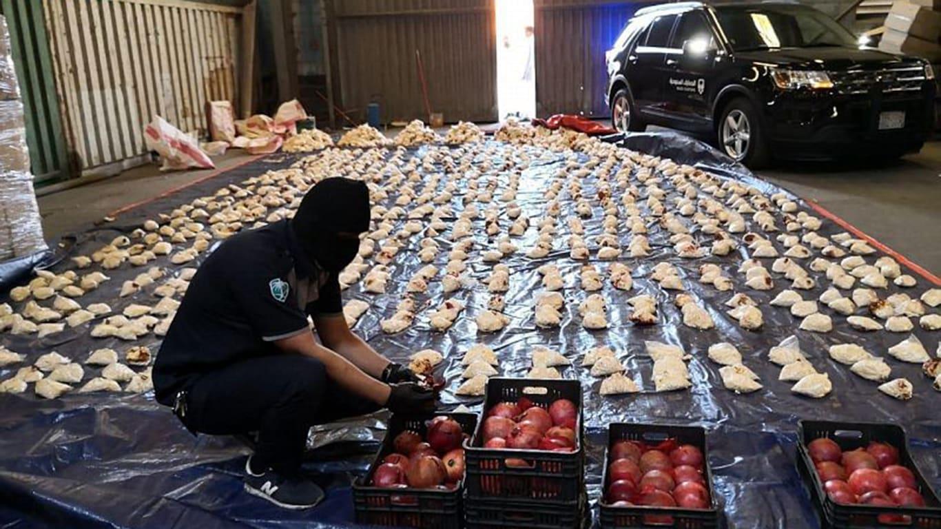 """""""600 مليون حبة مخدرة"""".. سفير السعودية في لبنان: الكميات المضبوطة كافية لإغراق الوطن العربي"""