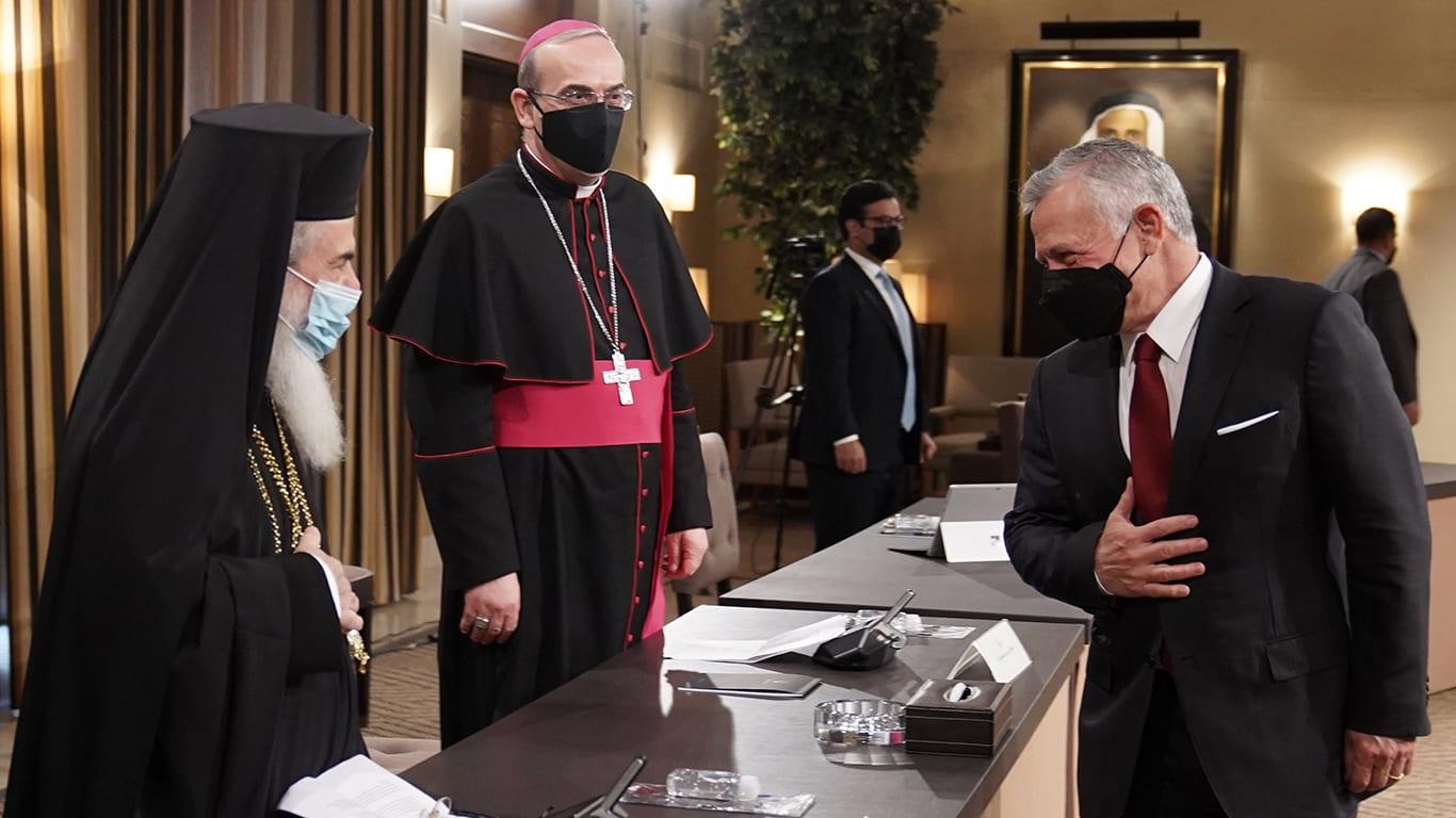 ملك الأردن يستقبل ممثلي مجلسي أوقاف وكنائس القدس: لا نقبل أي مساومة على المقدسات