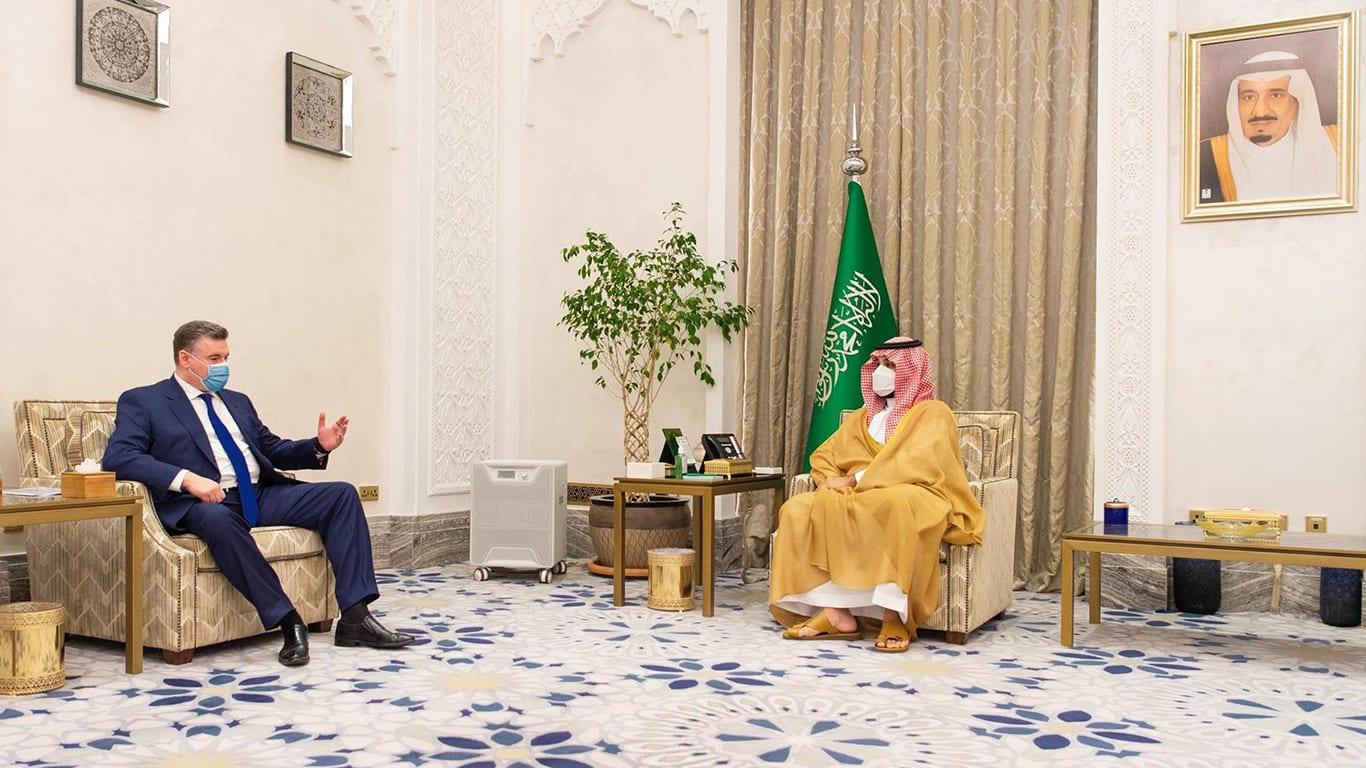 محمد بن سلمان يستقبل رئيس لجنة الشؤون الدولية بمجلس الدوما الروسي ليونيد سلوتسكي