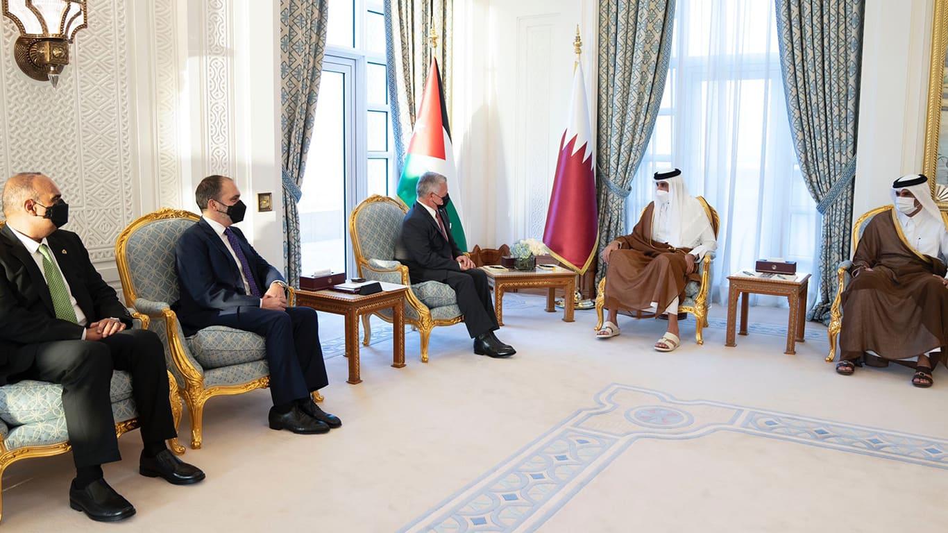 أمير قطر يستقبل ملك الأردن